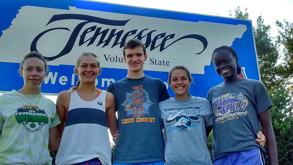 Left to Right: seniors Emily Glotfelty, Jordyn Eskijian, Collin Monsees and juniors Cayla Adamson and Emma Evans arriving in Tennessee. Photo courtesy: Cayla Adamson