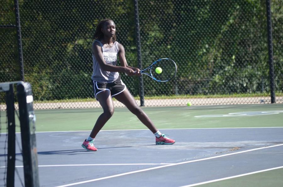 Tennis+team+grows