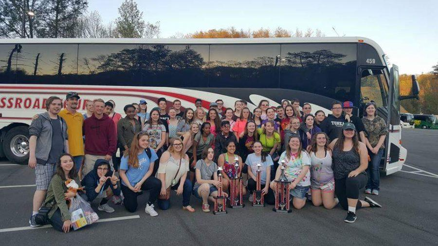 Symphonic+and+Chamber+Orchestras+with+their+four+trophies+at+Dollywood.+