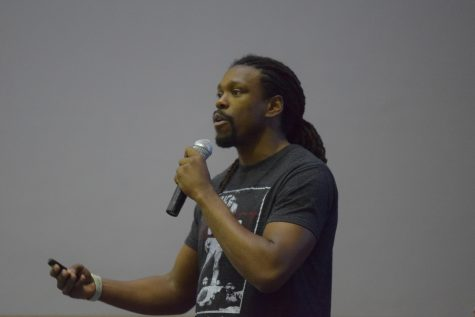 Boxer champion speaks to students